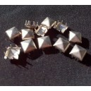 CLOU  PYRAMIDE 7 MM FROST SILVER