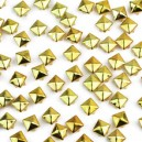 CLOU  PYRAMIDE 10 MM GOLD